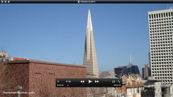 A beautiful day with a clear view of the Transamerica Pyramid.