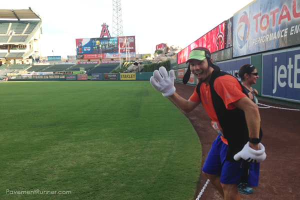 Goofy plays baseball.