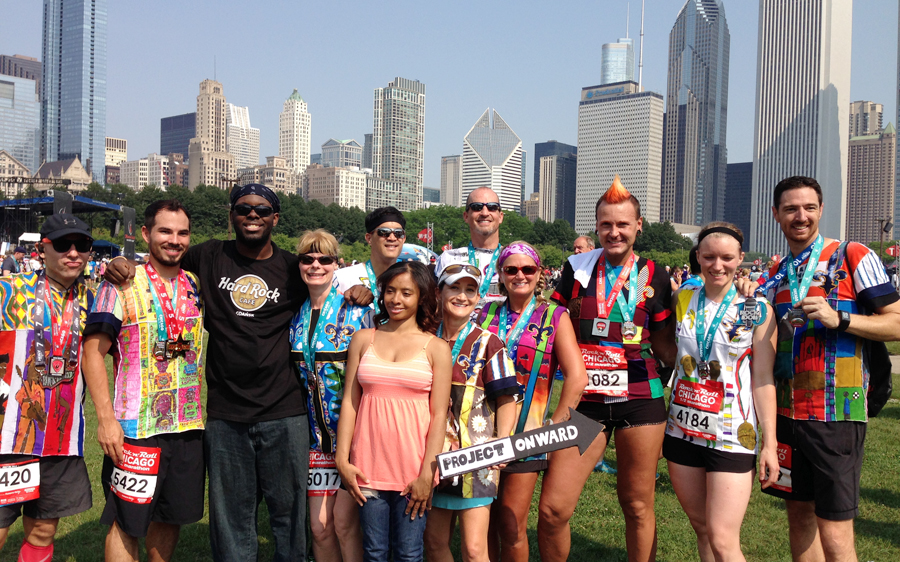 Group photo with the runners and artists.